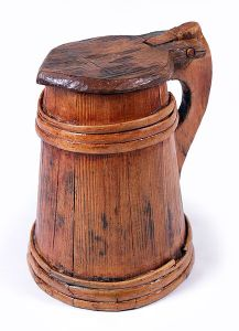 434px-MaryRose-wooden_tankard1